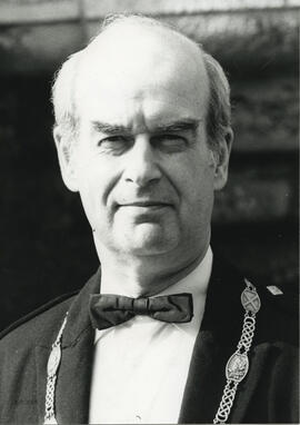 Photograph of Alastair MacFadyen wearing the Chairman's chain