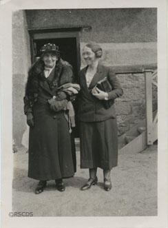 Photographs of Annie Shand & Jean Milligan