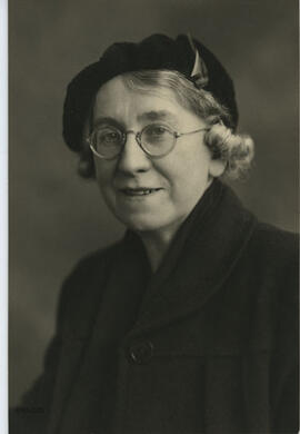 Photograph of a studio portrait of Jean Milligan