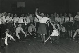 Photograph of Men's Highland class 'Do it like this' - teaching point