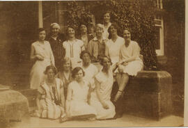 Photograph of Ysobel Stewart with a group at University Hall